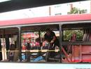 被炸毁的公交