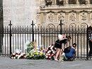 法国举行仪式为失事客机乘客祈祷
