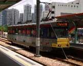 穿梭郊区之间的小火车