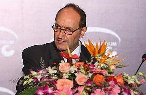 2009中国汽车产业发展国际论坛 标致雪铁龙集团执行副总裁 华日曼