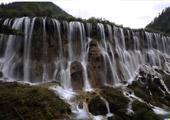游目羽族:诺日朗瀑布
