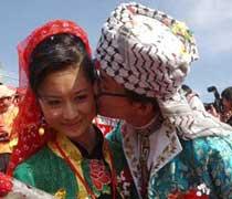 女子9岁寻婆家 神秘撒拉族婚俗