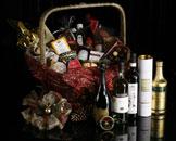 H one更为佳节特别设计了多款极致奢华的圣诞礼物篮
