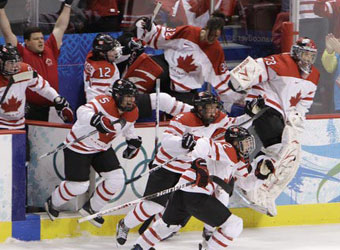 加拿大女子冰球夺冠