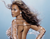 """碧昂丝首支个人香水""""Beyonce Heat"""""""