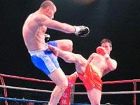 中国武警8秒KO日本空手道冠军 创最快KO记录