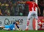 卡西扑出巴拉圭点球