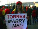 美女向托雷斯求婚