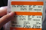刚买到的往返剑桥的火车票