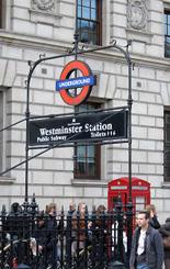 伦敦地铁站标志--underground