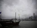 香港维多利亚港上空乌云密布