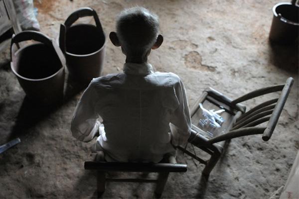 一个百岁老人的晚年生活——有点凄凉——引用 - 老小孩乐园(百老汇) - 老小孩乐园(百老汇)
