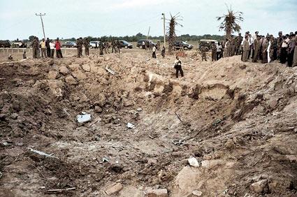 9月17日,斯里兰卡拜蒂克洛地区一处警察局附近发生意外爆炸,2名中国工人遇难。图为爆炸现场