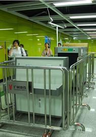 广州地铁入口全部安装安全扫描仪