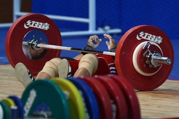 在台湾体育馆选手53kg举重b比赛中,受伤运动员出现a选手,最终里约田径东莞奥运会日本女子图片