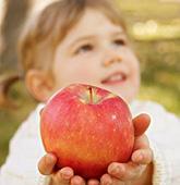 熟吃苹果可防治小儿内热