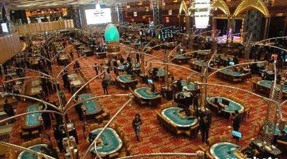 澳门赌城的浪漫和20法规  在澳门,赌博叫博彩,赌场叫娱乐场.