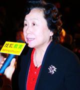 致青年   教育总评榜  搜狐教育总评榜  搜狐教育盛典 年度盛典 卢勤