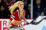 冰球赛场性感铲冰女郎