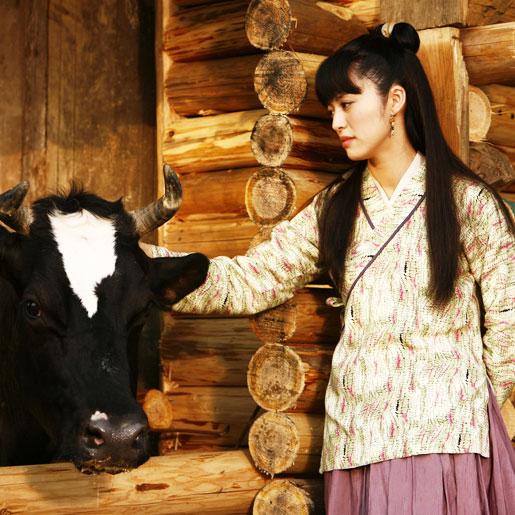 此次电影版《武林外传》的剧情是电视剧版的一个延续,不但佟湘玉和图片