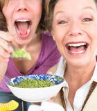 营养专家:均衡营养需运动配合!