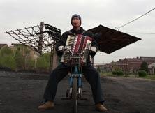 王千源亲手制作钢的琴