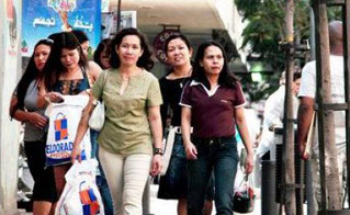 菲律宾高级家政人才很敬业,不摆谱.