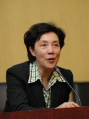 北京大学新闻传播学院常务副院长徐泓