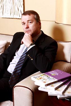 法国卡斯特兄弟公司全球总裁AlainCastel阿兰卡斯特