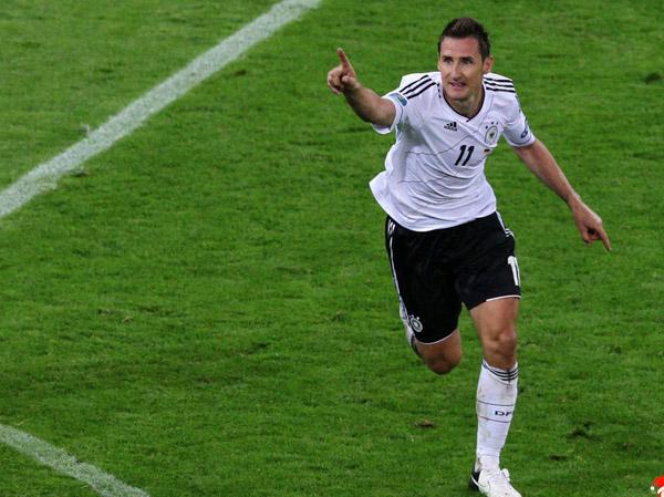 德国创下连胜世界纪录欧洲杯超越荷兰称王