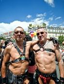 巴黎同性恋大游行 奇装异服抢镜