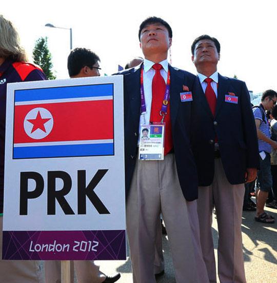 奥运村升旗仪式上的朝鲜代表团