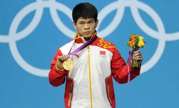 男子69公斤级林清峰强势夺冠