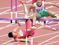 男子110米栏预赛 刘翔半途摔倒遗憾出局
