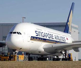 中国游客遭新加坡航空歧视性扣证