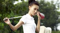 演员高露诠释性感高尔夫