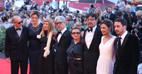 70届威尼斯电影节开幕红毯