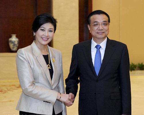 李克强总理会见泰国总理英拉
