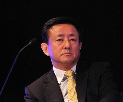 2013年09月13日,樊纲在辽宁出席会议。
