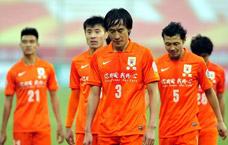 小组赛第一场:刘彬彬替补建功外援失点 鲁能1-1平