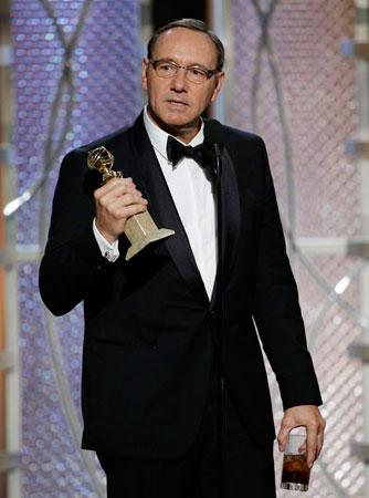 凯文-史派西多次提名,终于拿下剧情类电视剧最佳男主角奖