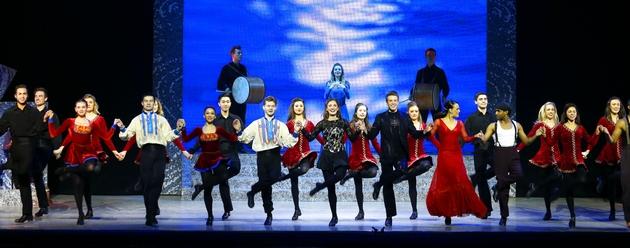 舞者们用各自的舞步完美谢幕