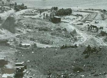 第30 军的德国士兵在继续进攻之前