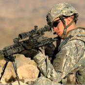 狙击手身旁为什么都有一个观察员?他的作用是什么