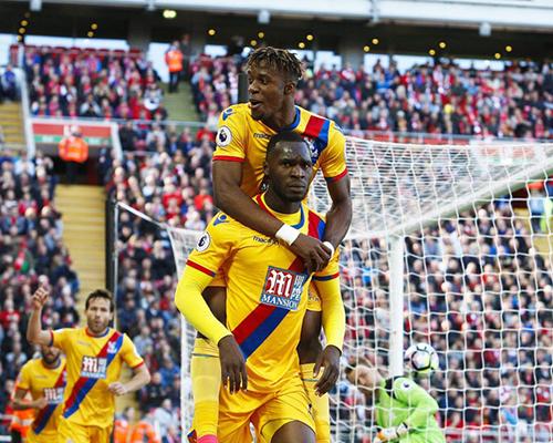 英超-库鸟任意球破门旧将两球 利物浦1-2遭逆转