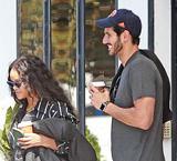 蕾哈娜和新男友街拍曝光
