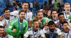 德国1-0夺冠 众将疯狂庆祝