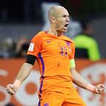 世预赛罗本梅开二度 荷兰取胜仍出局