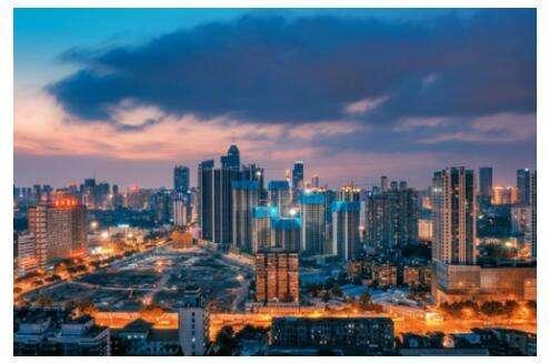 香港房企百亿投入内地楼市