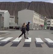 """为提醒司机让行人 冰岛推出""""3D斑马线"""""""